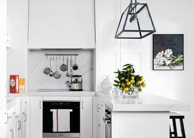 Carrara-marble-kitchen-benchtop-and-splashback