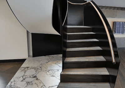 Arabescato Stair landing Feature