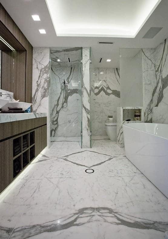 statuario marble ensuite floor and walls