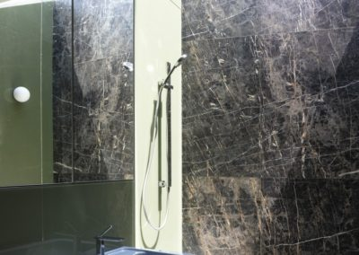 Breccia-Nera-Bathroom-walls