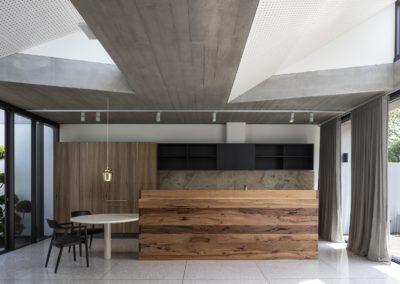 Cappuccino-onyx-kitchen-splashback