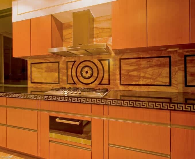 giallo sienna marble kitchen splashback
