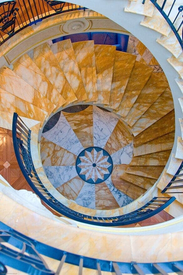 giallo sienna marble stairs