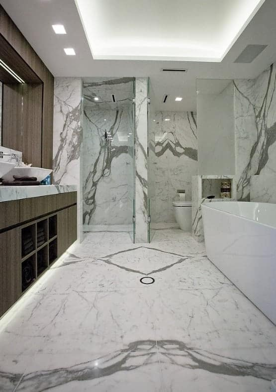 statuario marble ensuite floor and walls