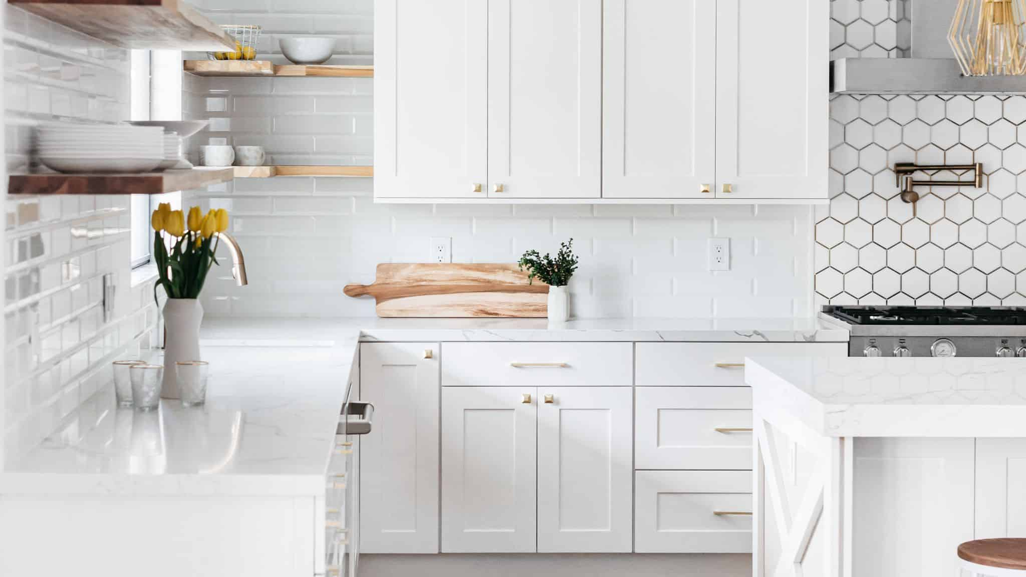 Replacing vs Refacing Kitchen Cabinets